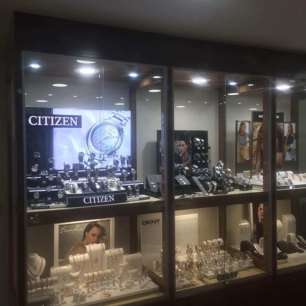 Shopfitting by Millerbrown at Mallards Jeweller & Pawnbroker